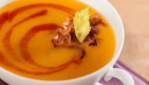 BALLARINI Recipe Tomatinated potato soup with marjoram and bacon