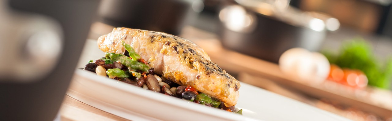 BALLARINI Recipe Salmon in olive oil with bean vegetables