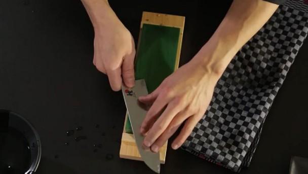 miyabi_knives_sharpening-stone_736x415_03