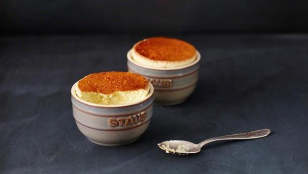 Ziegenfrischkäse-Soufflé mit Thymian und Trüffelhonig