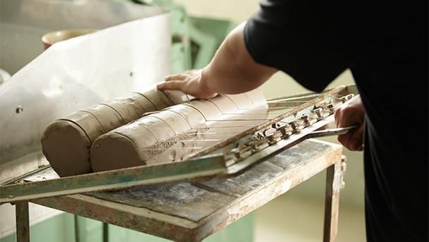 STAUB Keramik Rohling wird geformt