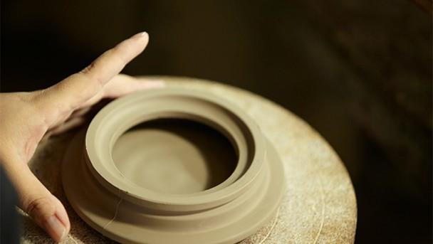 STAUB Keramik wird geformt