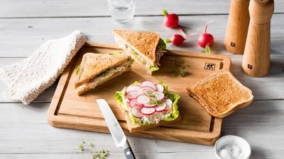 raw-vegetable-sandwich_736x415