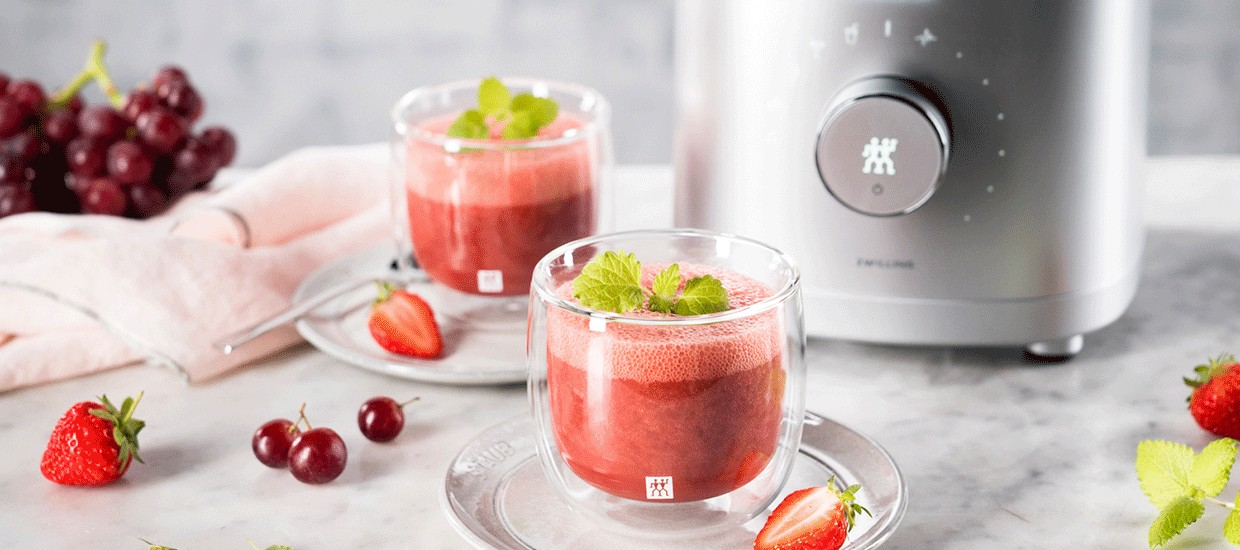 berry-and-orange-smoothie_stage_1240x550