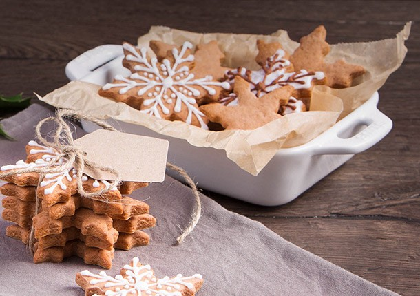 Happy_Holidays_Key_Visual_Gingerbread-Cookies_01_610x430