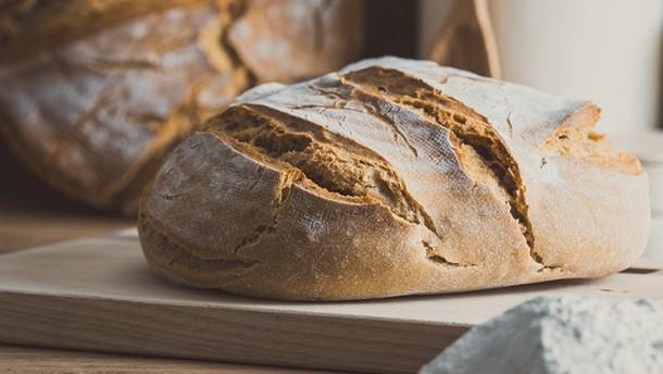 CW_Bread_Mann-backt-Brot_Krustenbrot-_1_736x415