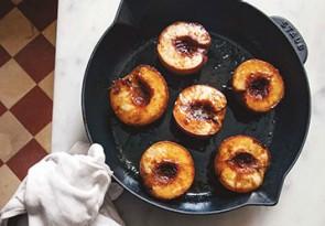 Roasted-Peaches-with-Pistachio-Cream_358-249