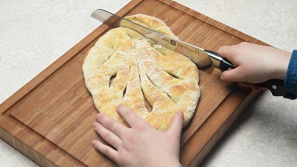 CW_Bread_Fougasse_step_04_736x415