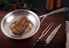 Happy_Holidays_Belgium_Steak_of_vension_03_358x249