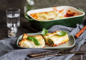 ricotta-and-spinach-baked-cannelloni-358x249
