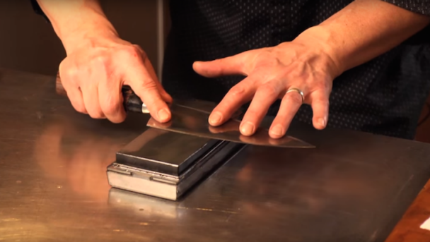 ZWILLING_Knives_whetstone_video_736x415px
