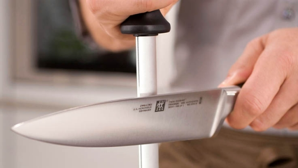 Sharpen Kitchen Knives   Knife Sharpening By Zwilling Use And Care