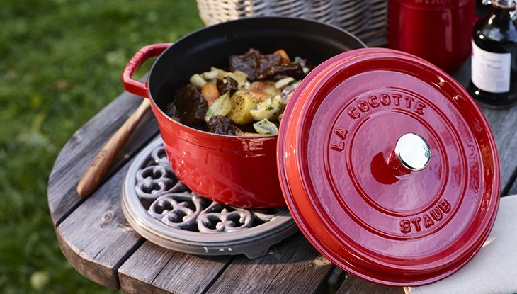 staub_accessories_trivet_detail_01_1