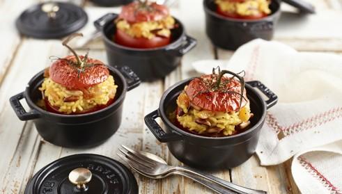 STAUB Rezept Gefüllte Schmor-Tomaten mit Risotto-Füllung
