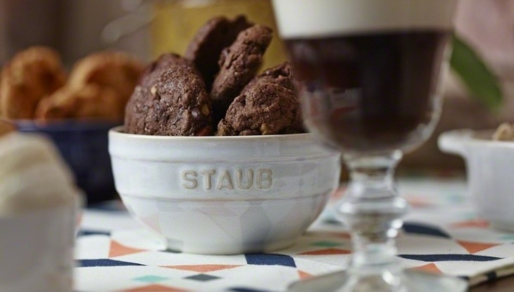 Rezept STAUB dunkel Schoko-Walnuss Cookies