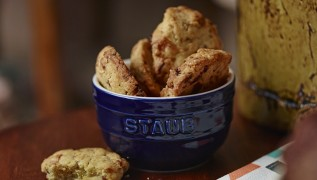 Rezept STAUB helle Schoko Mandel Cookies