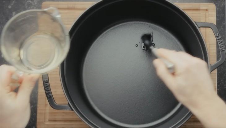 STAUB 1. Gebrauch der Cocotte