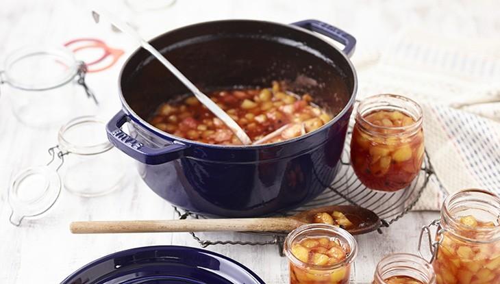 STAUB Cocotte Pfirsich-Passionsfrucht-Marmelade