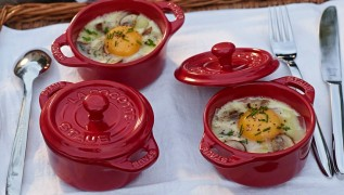 STAUB recipe eggs en Cocotte