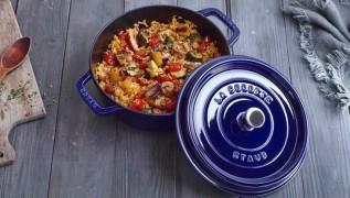 receta de cocina STAUB de arroz pilaf con verduras azafrán y pechugas de pollo en Cocotte