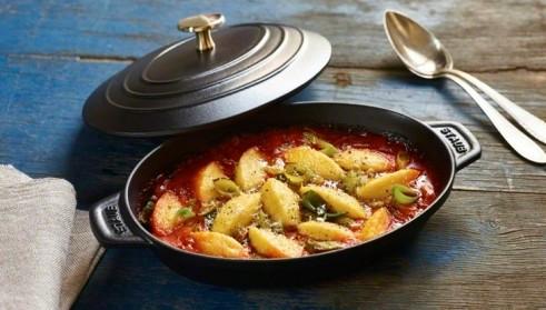 receta de cocina staub gnocchi de polenta gratinado en salsa de pimiento
