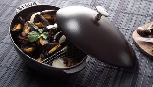 STAUB recipe mussels St-Tropez