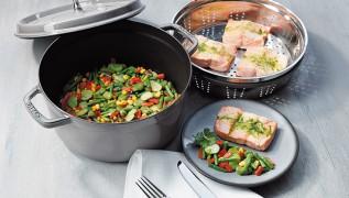 receta de cocina staub salmon al vapor con seleccion de verduras