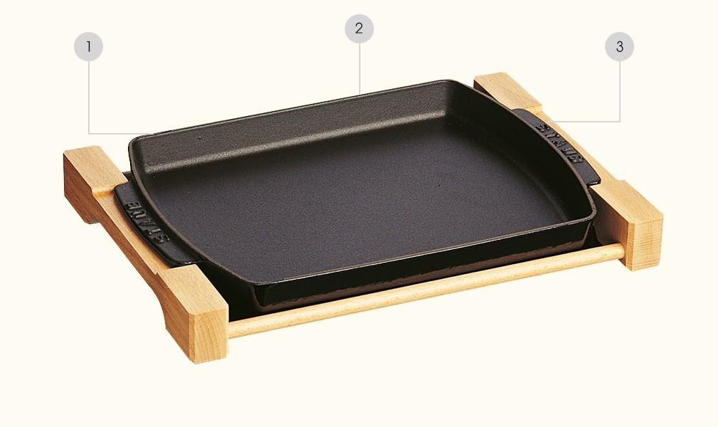 STAUB - Fonte - Assiette rectangulaire avec support en bois