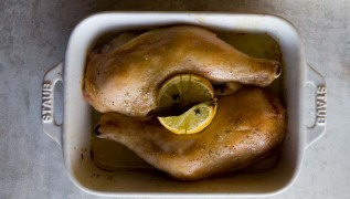 staub_recipe_chicken_confit