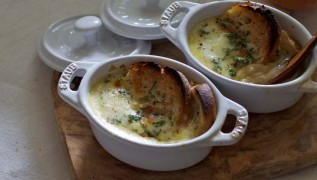 staub_recipe_onion_soup