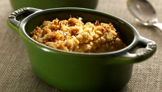 STAUB Recipe Crumble Apples Pears Nuts