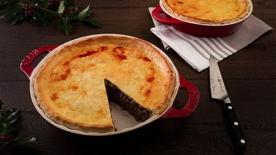 Happy_Holidays_Canada_French_Canadian_Tourtiere_05_736x415