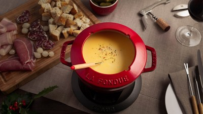 Happy_Holidays_France_Fondue_Savoyarde_02_736X415