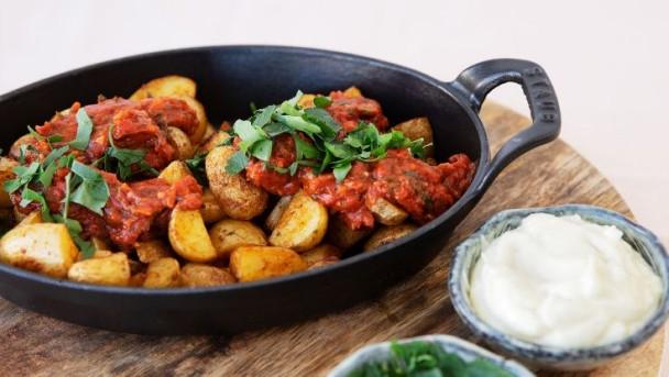 spanish-roasted-potatoes-736x415