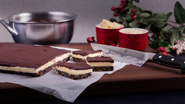 Happy_Holidays_Canada_Nanaimo-Bars_04_736X415