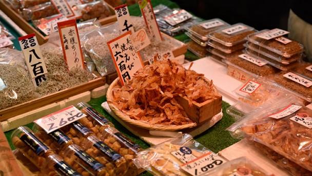 CW_Japan_travel_nishiki_01_736x415