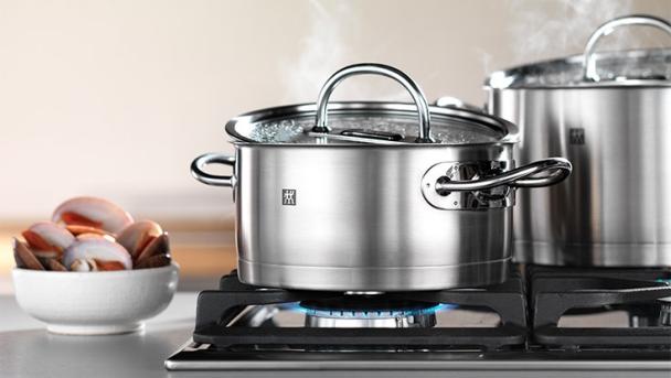 Qu menaje de cocina comprar uso y cuidado de sus ollas for Cocina y menaje