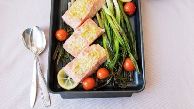 salmon-with-scallions-and-garlic-butter-736x415