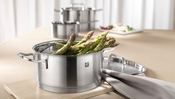 Zwilling Moment cookware